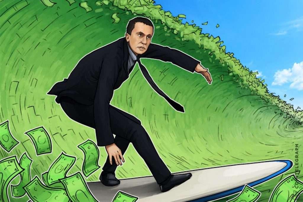 Человек ловит волну денег
